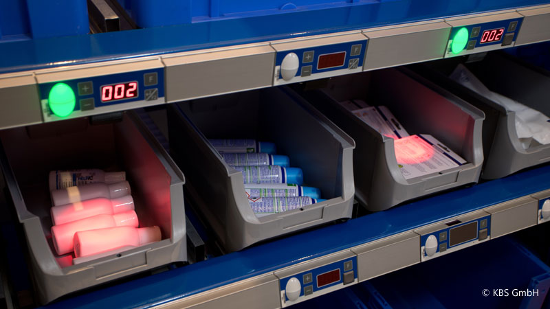 The LED Pointer module illuminates the compartment to be picked